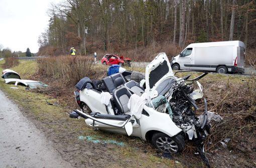 Schwerer Unfall mit vier Fahrzeugen bei Renningen