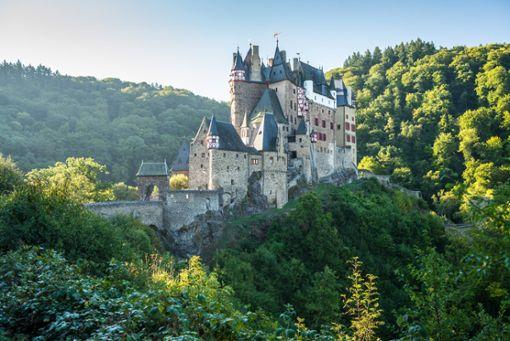 Burg Eltz - die bekannteste Burg der Eifel, wie aus einem Märchen.