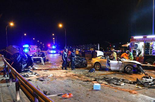 Auto überschlägt sich – vier Schwerverletzte
