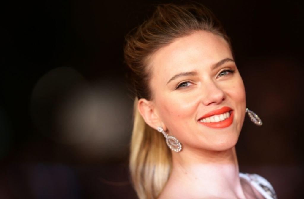 Scarlett Johansson strahlt, hier beim Filmfestival in Rom Anfang November. Unsere Bildergalerie zeigt ihre schönsten Auftritte. Foto: Getty Images