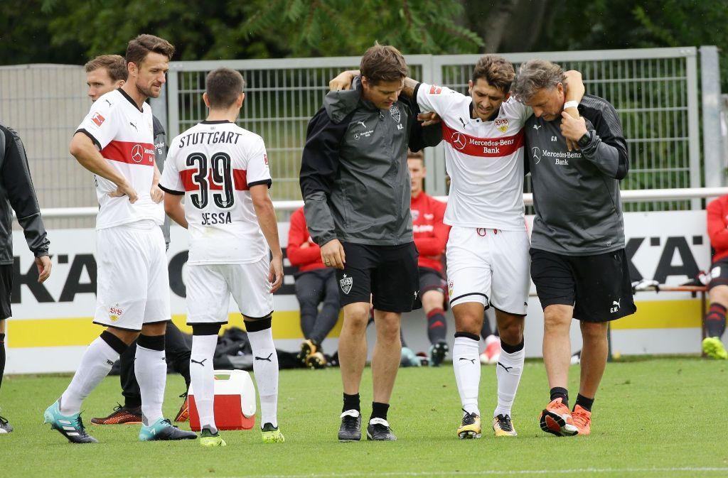 Für Matthias Zimmerman der Moment, der schon das Saisonende beim VfB Stuttgart bedeuten könnte. Foto: Pressefoto Baumann