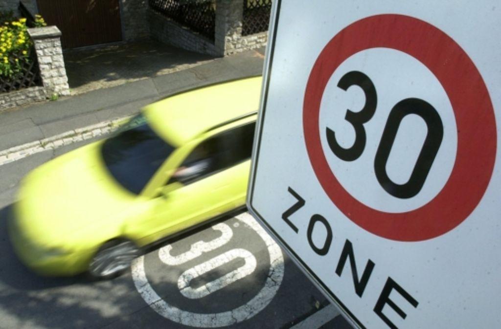 In Ostfildern soll künftig der Lärm durch  Tempo-30-Zonen reduziert werden. Foto: dpa