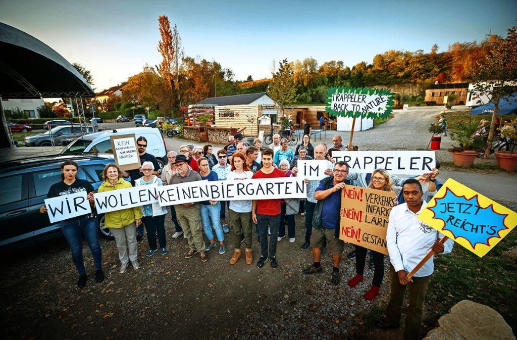 Bereits im Oktober haben die Anwohner  gegen die Pläne protestiert, die eine Fortführung des Biergartenbetriebs vorsahen. Nun denkt man in Weinstadt sogar über eine Zimmervermietung nach. Foto: Stoppel