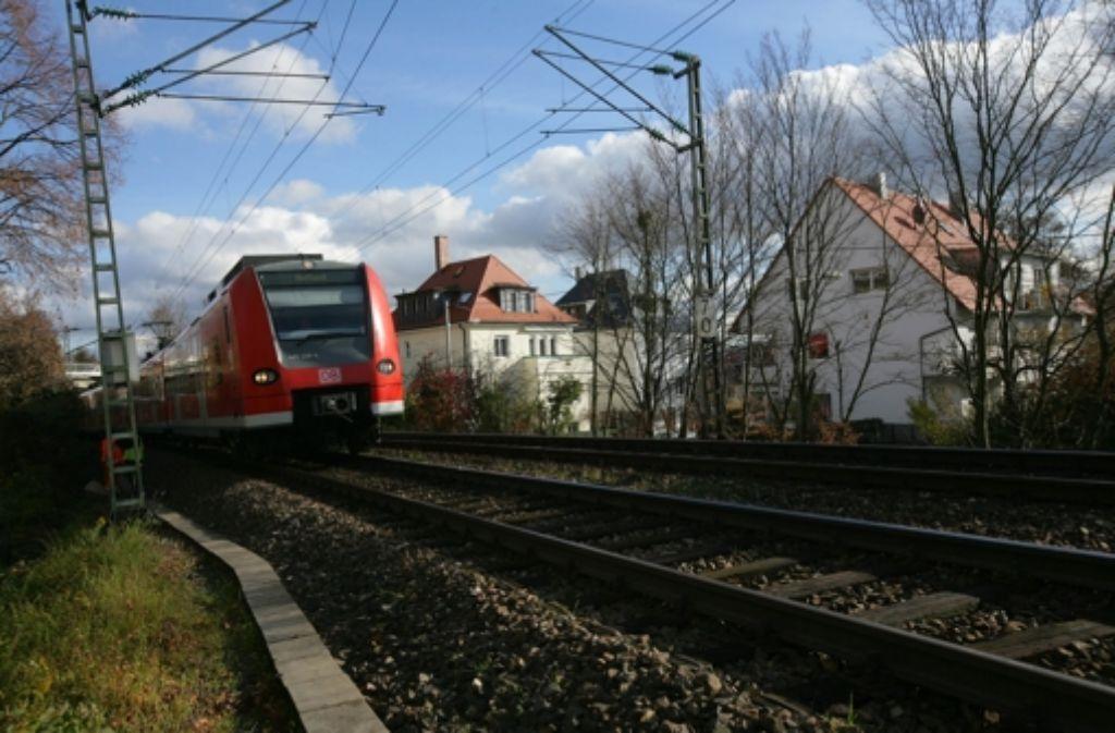 Laut Schlichterspruch soll die Gäubahn durch Stuttgart erhalten bleiben. Foto: Zweygarth