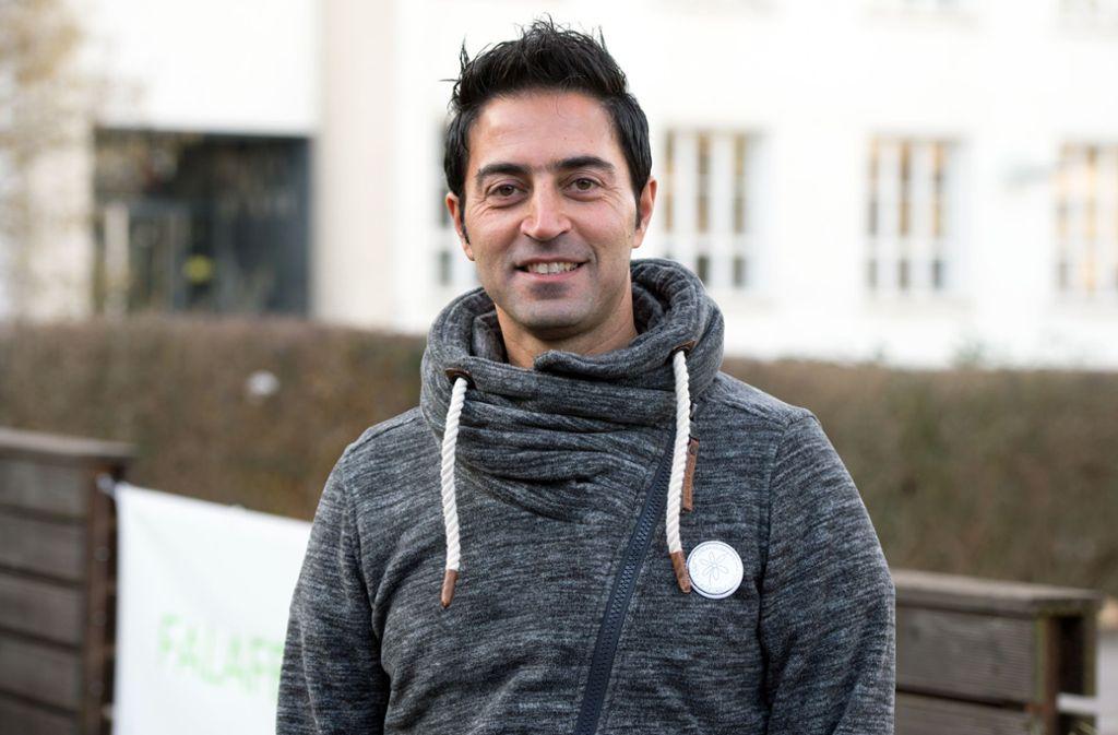 Issam Abdel Karim engagiert sich außer für Flüchtlinge auch für eine saubere Umwelt. Foto: Lichtgut/Oliver Willikonsky