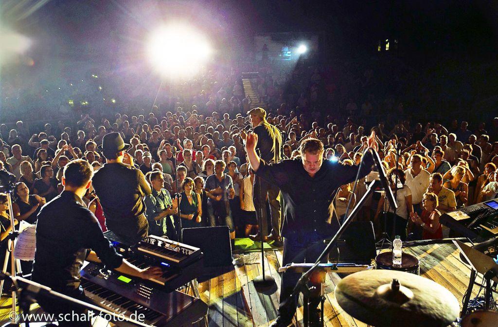 Anders als  bei den Konzerten mit der Lumberjack Bigband  (unser Bild) sind   heuer beim Auftritt von Max Mutzke in Adelberg  etliche Plätze frei geblieben. Foto: