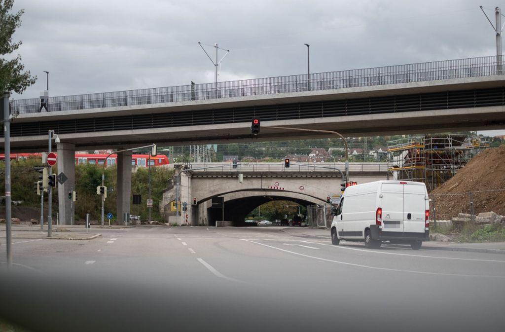 Während der Bauarbeiten ist die Wolframstraße an der betroffenen Stelle für alle Verkehrsteilnehmer gesperrt. Foto: Lichtgut/Max Kovalenko