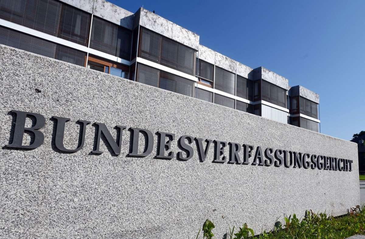 Die Karlsruher Richter wiesen am Mittwoch  die Beschwerde gegen das baden-württembergische Polizeigesetz zurück. Foto: dpa/Uli Deck