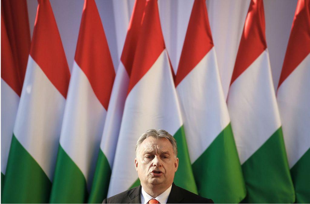 Ungarn Premier Victor Orban baut seit Jahren das Land nach seinem Gutdünken um. Nun drohen ihm deswegen Sanktionen der EU. Foto: AP