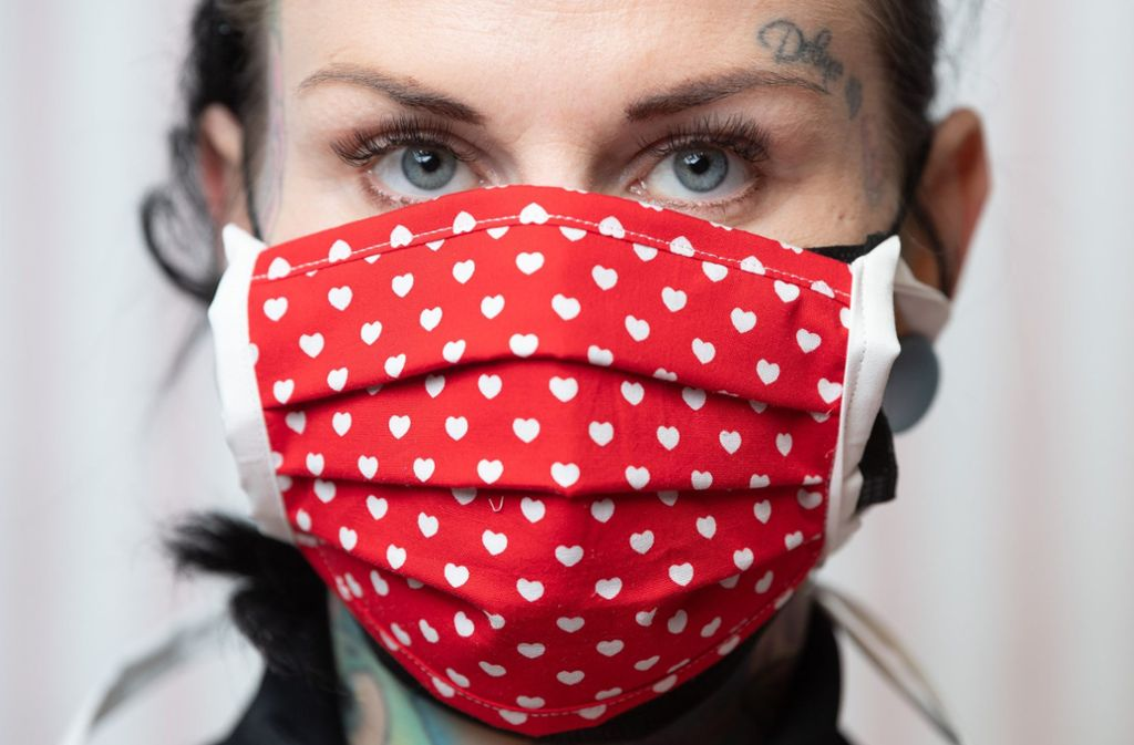 Wie sinnvoll ist das Tragen eines Mundschutzes? Foto: dpa/Sebastian Kahnert