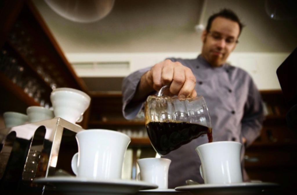 Zelebriert den starken Kaffee: Björn Bergmann Foto: Gottfried Stoppel