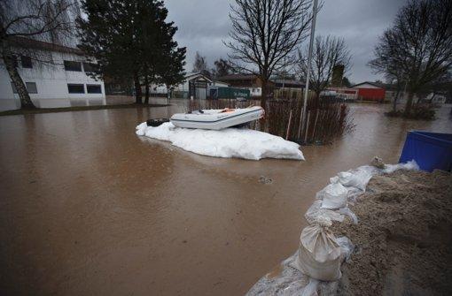 Hochwasser-Schutz schlägt  Wellen
