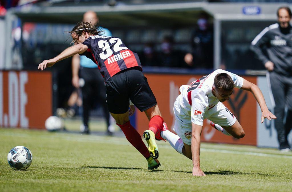 Der VfB geriet in Wiesbaden ins Stolpern. Foto: dpa//Uwe Anspach