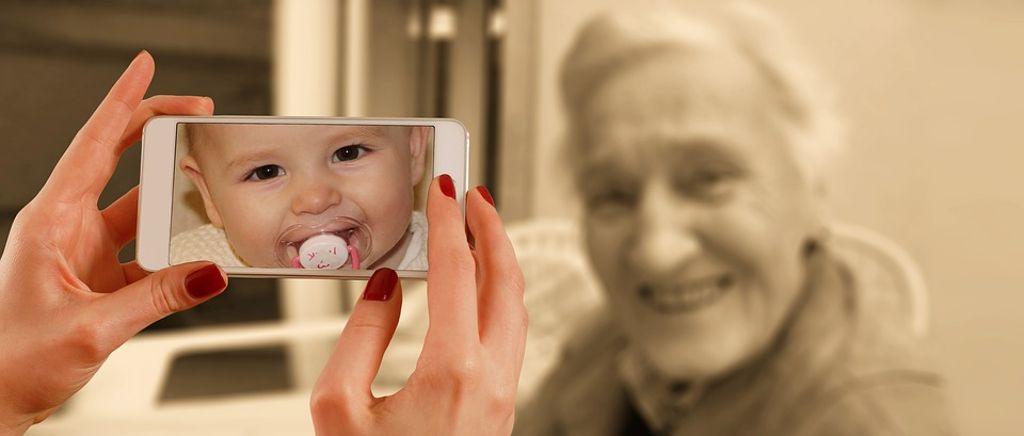 Ein soziales Zentrum, in dem Senioren und Kleinkinder gleichermaßen gut aufgehoben sind, ist das Ziel für Warmbronn. Foto: Pixabay