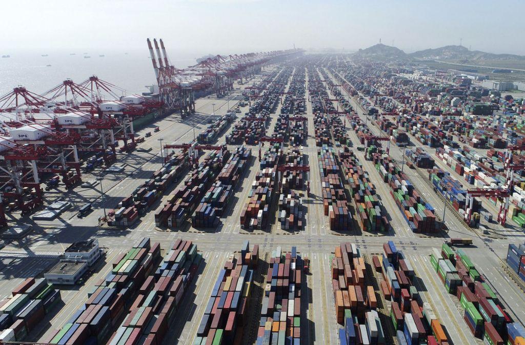 Exportorientierte Unternehmen in Deutschland setzen auf den Markt in China und schätzen das Land als verlässlicheren Partner ein als die USA oder Großbritannien. Foto: dpa