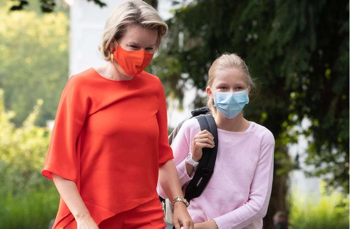 Königin Mathilde von Belgien mit Tochter Eléonore. Foto: AFP/BENOIT DOPPAGNE