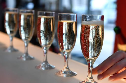 Wie viele Gäste dürfen mitfeiern?