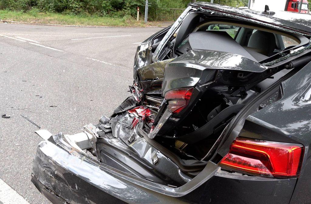 Beide Fahrzeuge waren nicht mehr fahrbereit und wurden abgeschleppt. Foto: 7aktuell.de/Alexander Hald