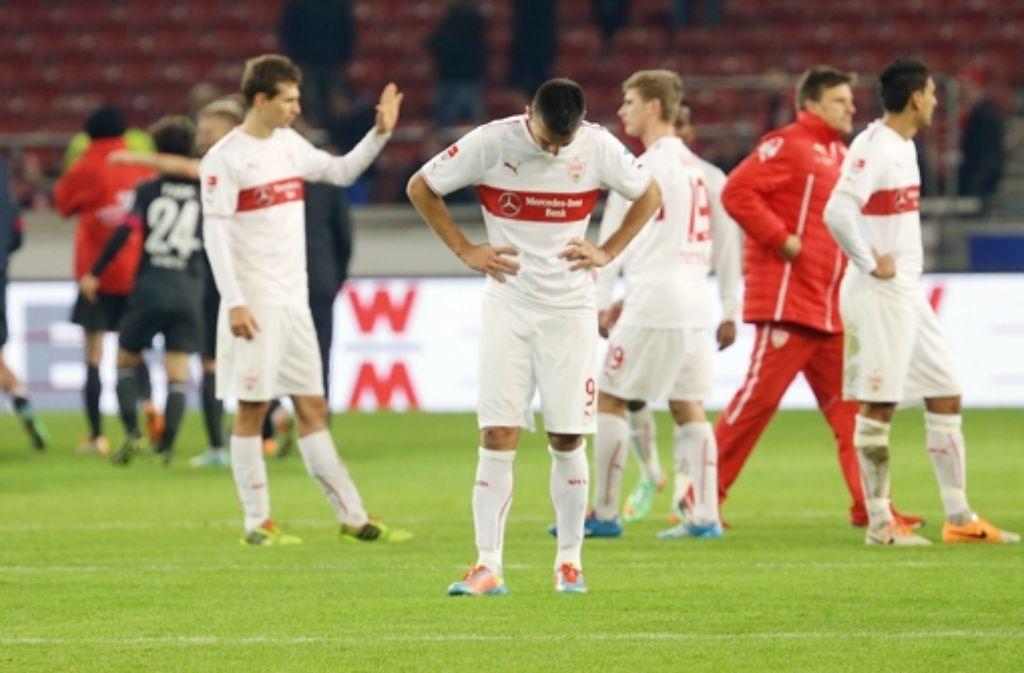 Nicht zu fassen: der VfB verliert gegen Mainz. Weitere Bilder des Spiels sehen Sie in unserer Fotostrecke. Foto: Pressefoto Baumann