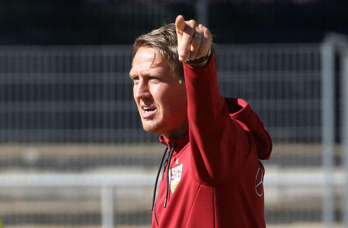 Trainer Frank Fahrenhorst und sein VfB Stuttgart II haben die vergangenen Wochen so gut wie möglich genutzt, um Wettkampfpraxis zu simulieren und die eigene Entwicklung voranzutreiben. Foto: Baumann