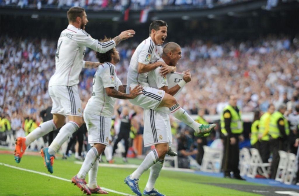 Grund zum Feiern - Real Madrid besiegt  Barcelona in der spanischen Fußball-Meisterschaft. Foto: Getty Images Europe