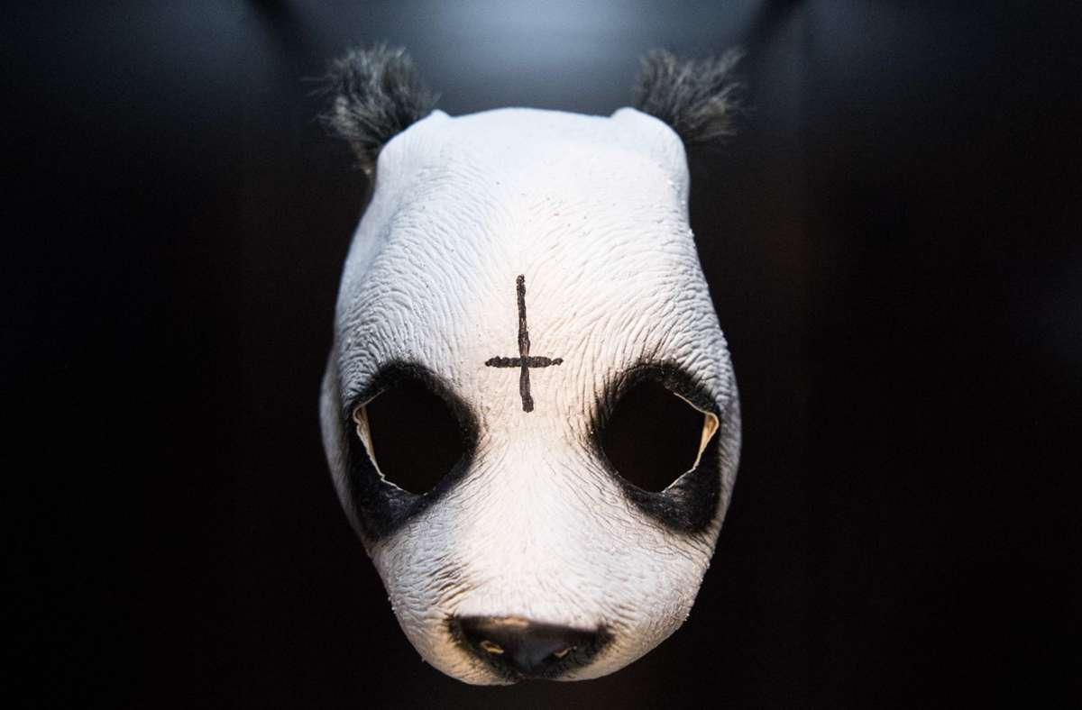 Spekulationen um die Zukunft des Vorzeige-Maskenträgers Cro Foto: dpa/Sebastian Gollnow