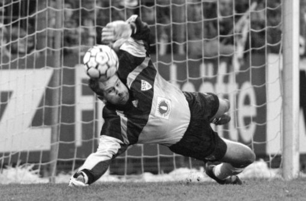 Hier unsere Vorschläge für die Jahrhundertelf des VfB Stuttgart, für die Sie auf der Vereins-Homepage abstimmen können.Die Auswahl im Tor:Eike Immel, 287 Spiele für den VfB zwischen 1986 und 1995. Foto: Pressefoto Baumann