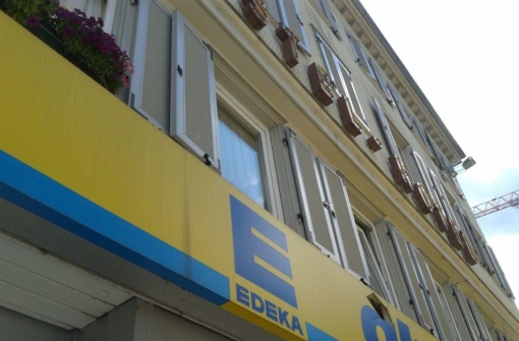 Vielleicht kann die Fassade des Apostel-Hotels gerettet werden, vielleicht auch nicht. Foto: StZ
