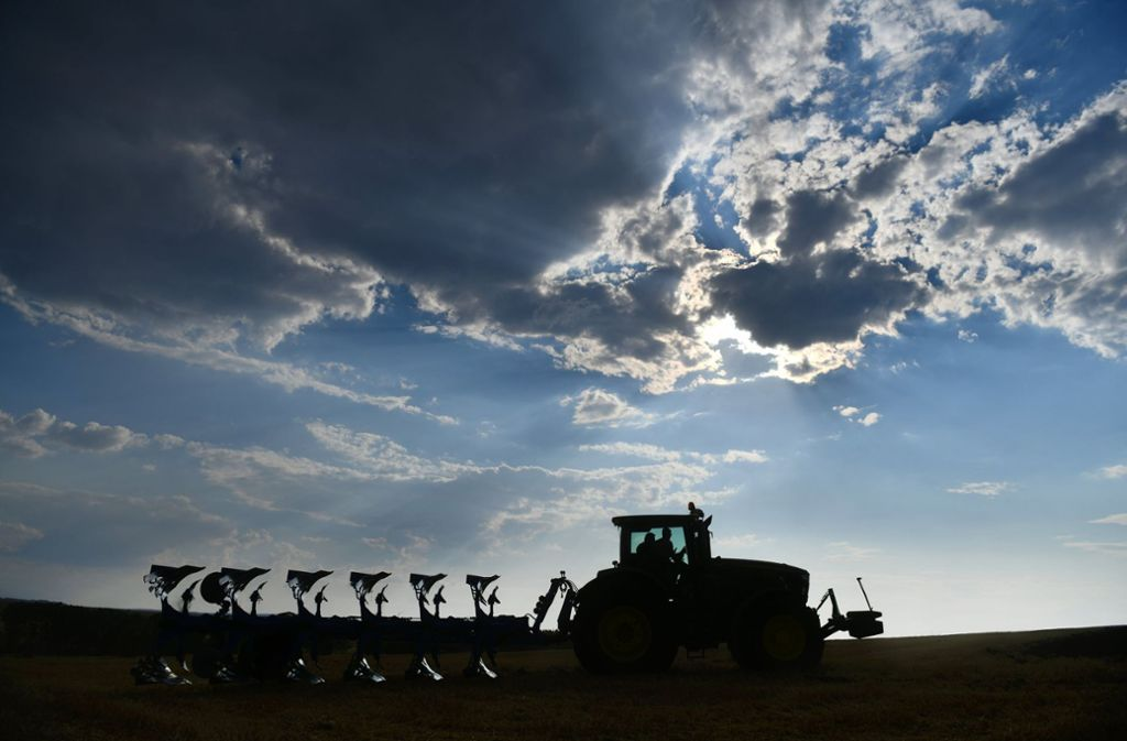 Über den Landwirten auf den Fildern schwelt zur Zeit eine dunkle Gewitterwolke. Foto: dpa