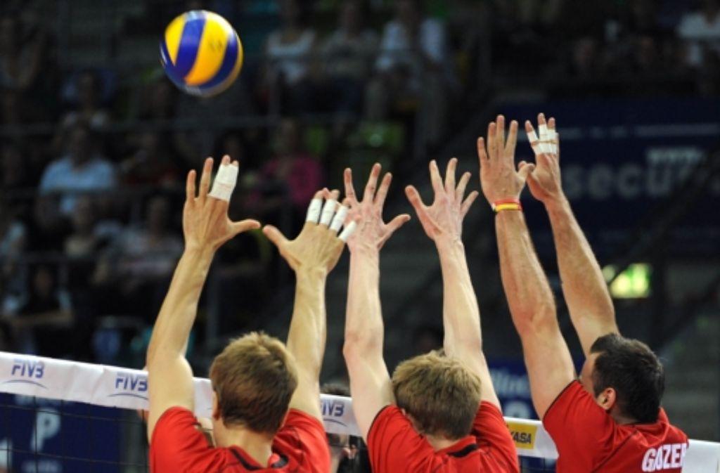 Wer Lust am Volleyball hat, kann sich für einen Kurs eintragen. Foto: dpa