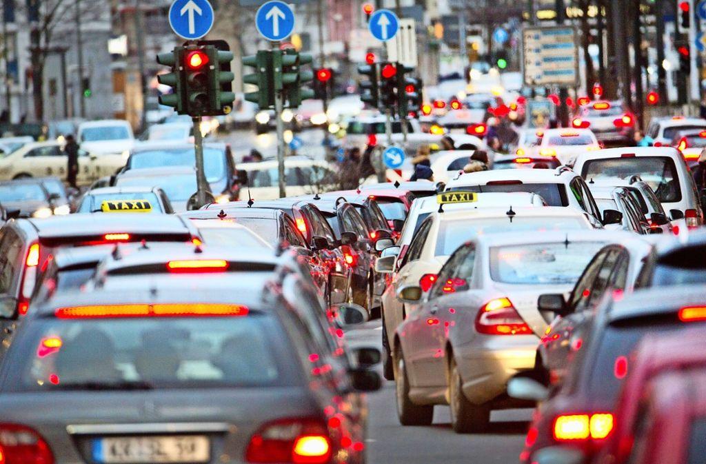 Das Klimagas CO2 soll reduziert werden – die Frage ist, wie und wie schnell Foto: dpa