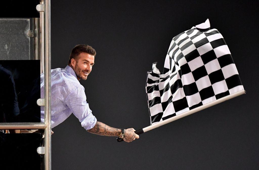 David Beckham darf vorerst beim Autofahren nur eine Statistenrolle einnehmen. Foto: AFP