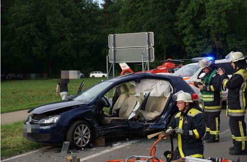 Drei Menschen bei Unfall schwer verletzt