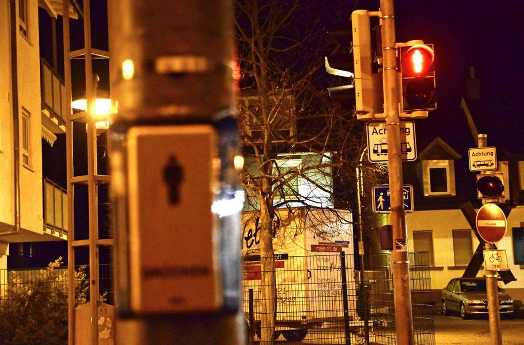Rot heißt stehen – doch längst nicht alle Fußgänger halten sich daran. Foto: 7aktuell.de/Fabian Geier