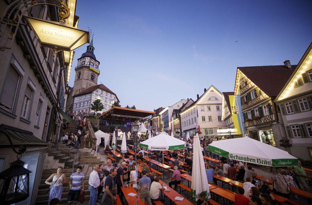 Der Marktplatz ist das Herz des Straßenfests. Foto: Gottfried Stoppel