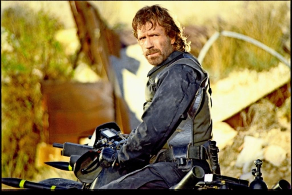 Den verwegenen Blick hat Chuck Norris zur Genüge geübt: In mehr als zwei Dutzend Filmen mimte er den  Actionhelden. Foto: 20th Century Fox