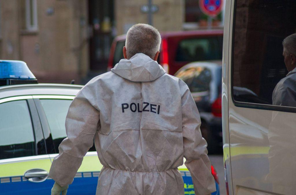 Am Ende bleibt nur die Spurensuche am Tatort: Hätte man die Bluttat in der Stöckachstraße ahnen können? Foto: 7aktuell.de/Sven Franz