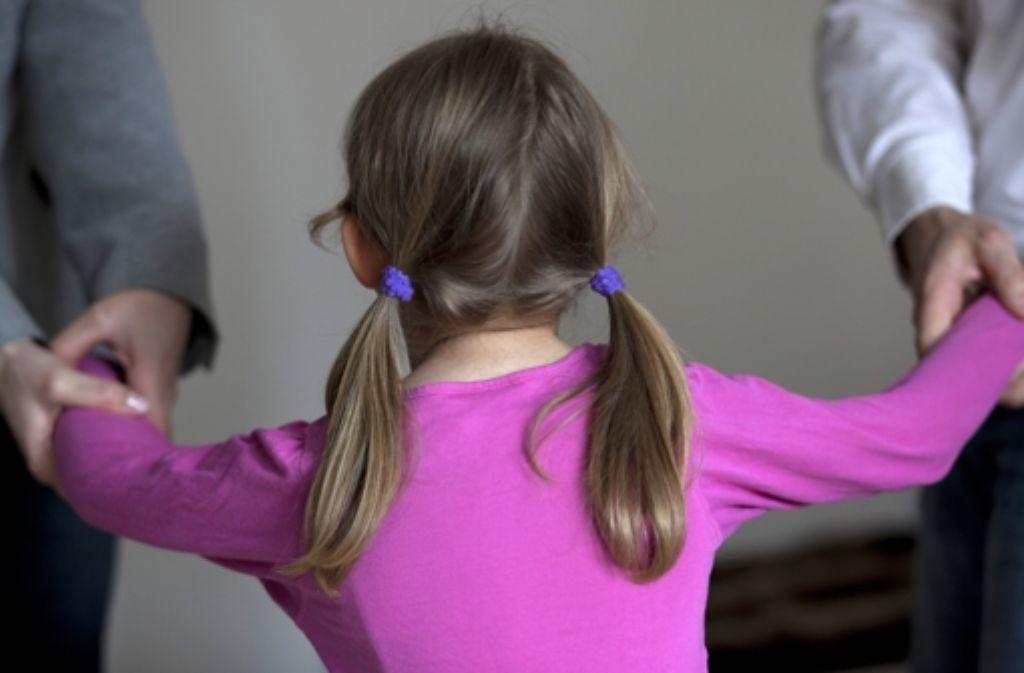 Viele Eltern trauen ihren Kindern nichts zu – mit skurrilen Folgen für den Schulbetrieb. Foto: dpa