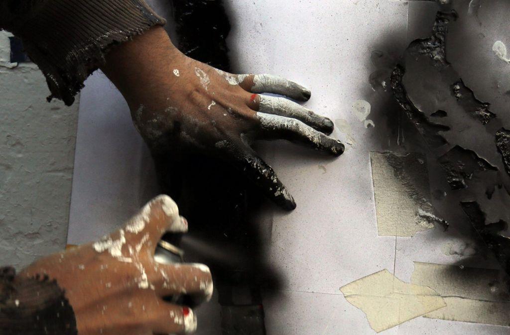 Graffiti ist nicht überall erwünscht. Im rechtlichen Sinn kann es sich dabei um eine Sachbeschädigung handeln. (Symbolfoto) Foto: dpa