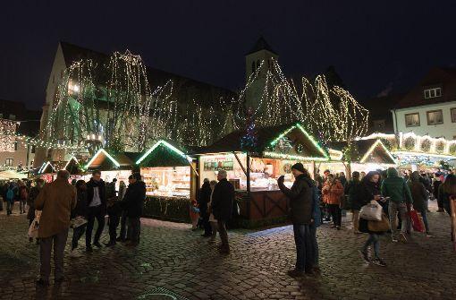 Auch der Weihnachtsmarkt in Freiburg war nach dem Anschlag in Berlin besonders gesichert worden. Foto: dpa
