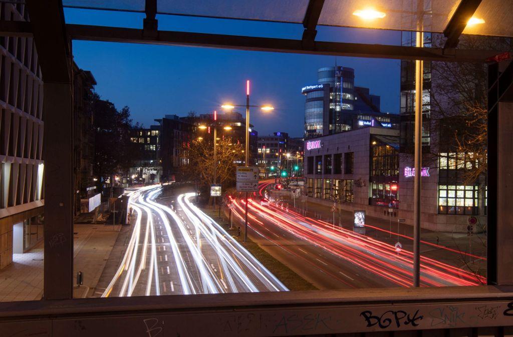 """""""Wir wollen eine autofreie Innenstadt"""", sagt Stuttgarts Oberbürgermeister Fritz Kuhn. Foto: dpa/Marijan Murat"""