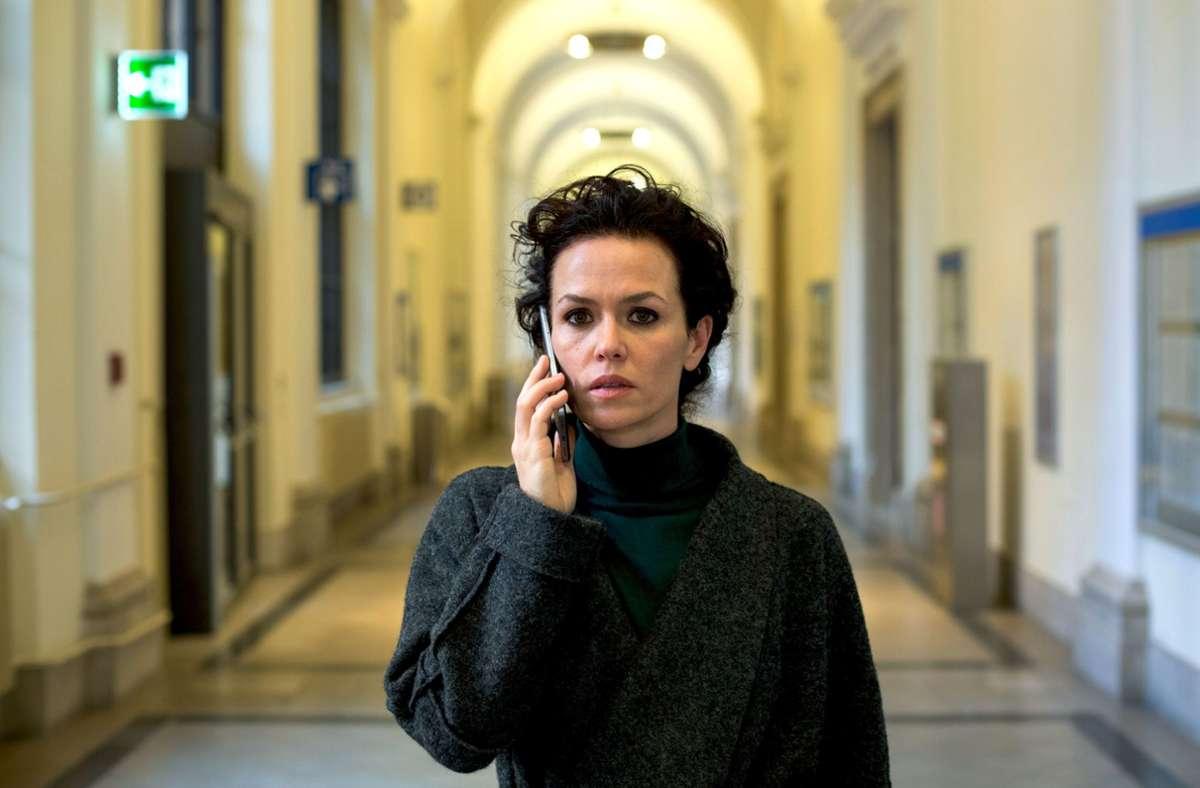 Fida Emam (Melika Foroutan) kämpft an vielen Fronten. Foto: ZDF/Fabio Eppensteiner