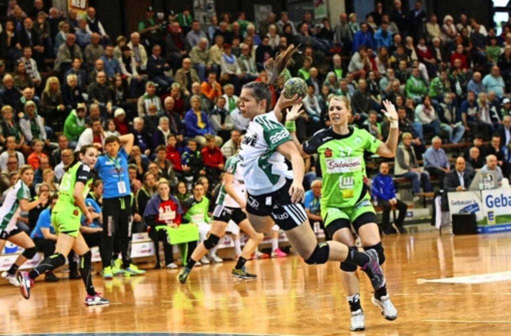 Nicole Dinkel wird am Saisonende Frisch Auf verlassen. Vielleicht kehrt sie 2017 mit dem Schweizer Team zurück. Foto: imago sportfotodienst