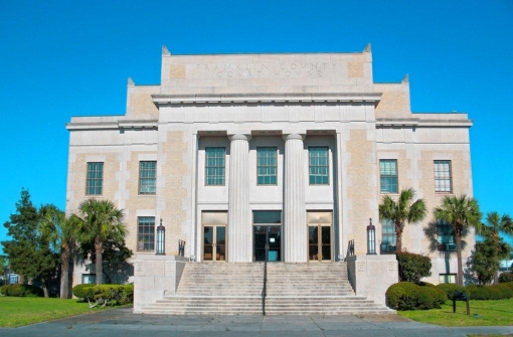 Im Gericht von Apalachicola ist die 73-jährige Nufringerin verurteil worden. Foto: Ebyabe