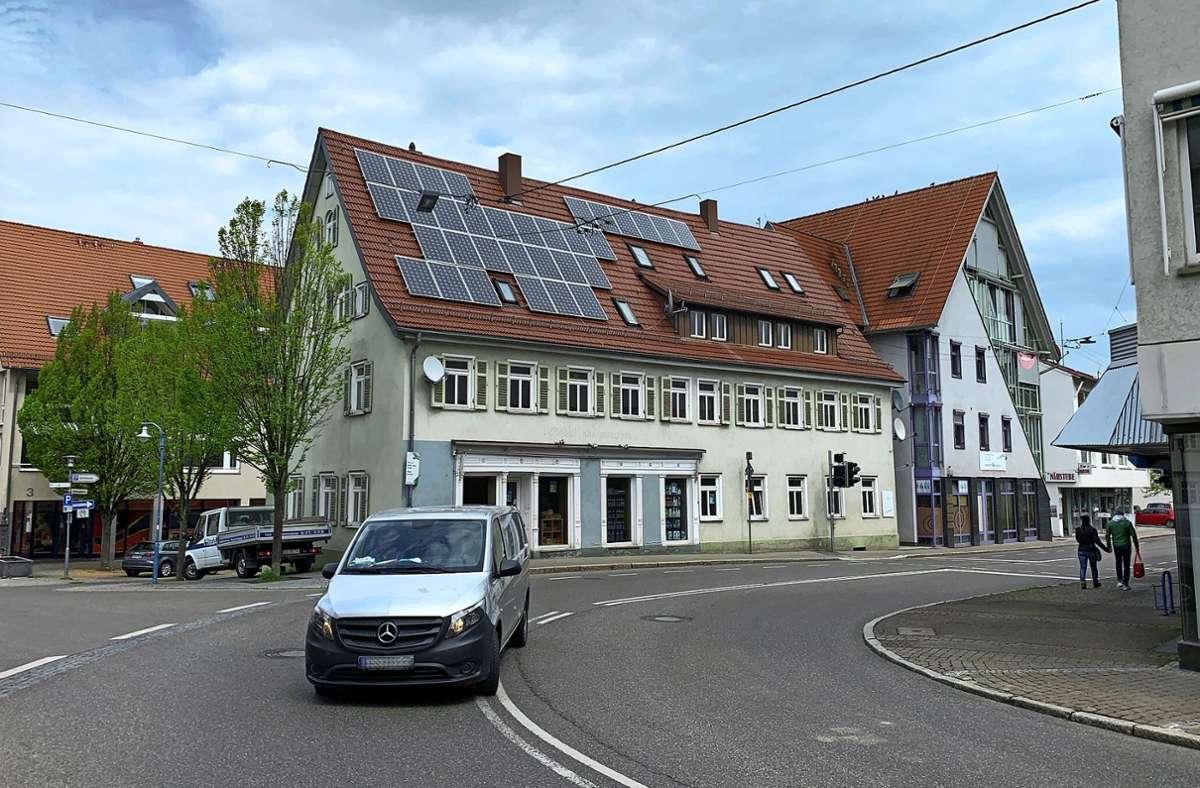 Das Gebäude an der Hauptstraße 1 und 3 wird noch saniert. Foto: /Götz Schultheiss