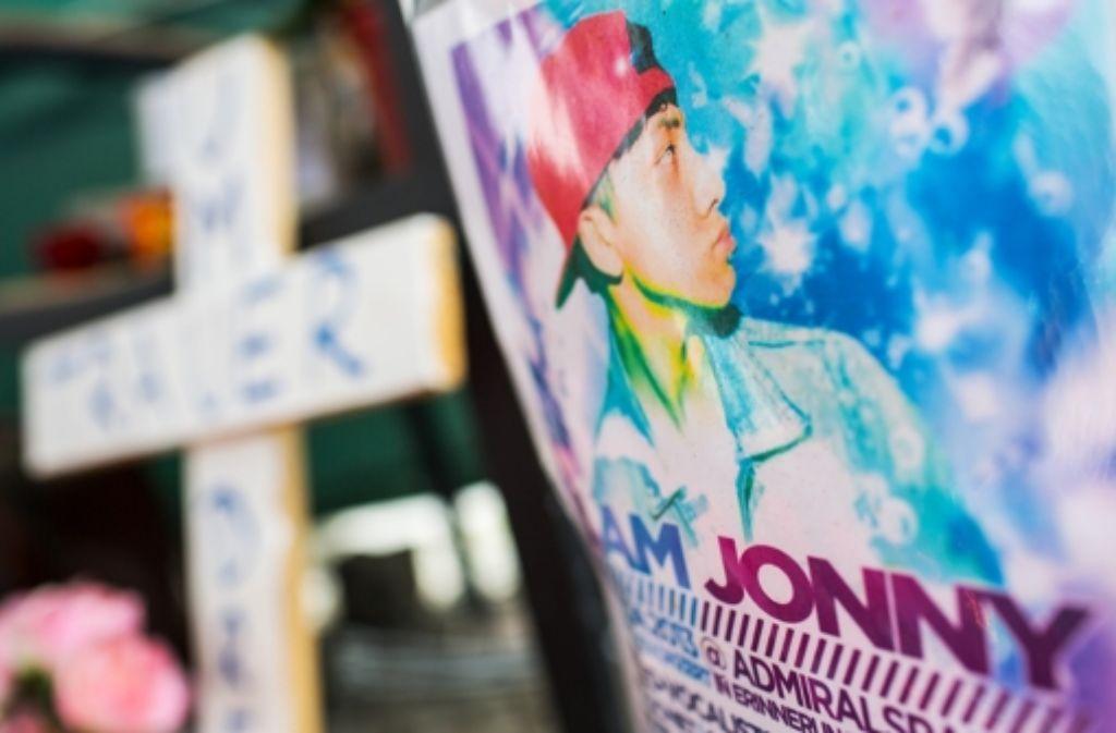 Der Tod von Jonny K. sorgt deutschlandweit für Aufsehen. Der Schüler-Redakteur hat sich dazu Gedanken gemacht. Den Schülertag bei der StZ dokumentieren wir in der Fotostrecke. Foto: dpa