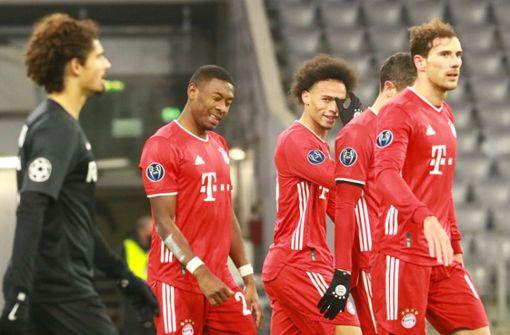 Bayern München jubelt nach 3:1 über Achtelfinale