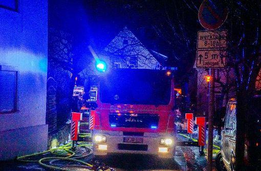 Baumaterialien fangen Feuer