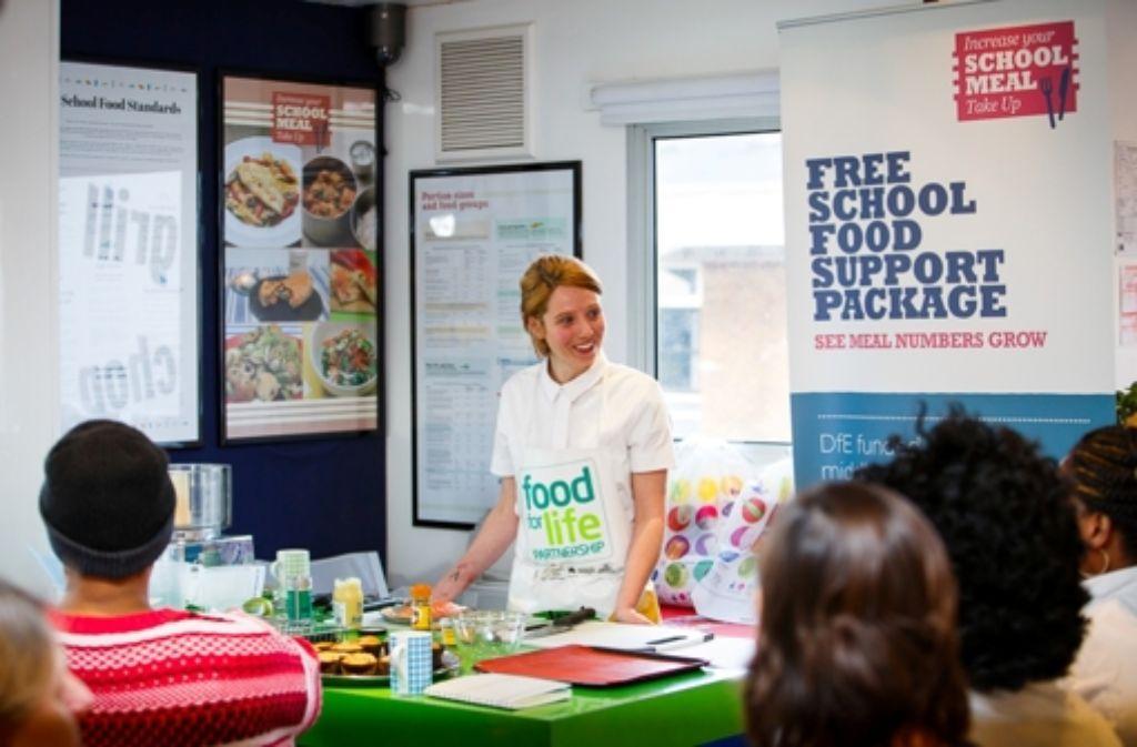 Nicole Pisani hat früher für Starkoch Yotam Otto gearbeitet. Jetzt ist sie als Schulköchin in London viel zufriedener Foto: Food for Life Partnership