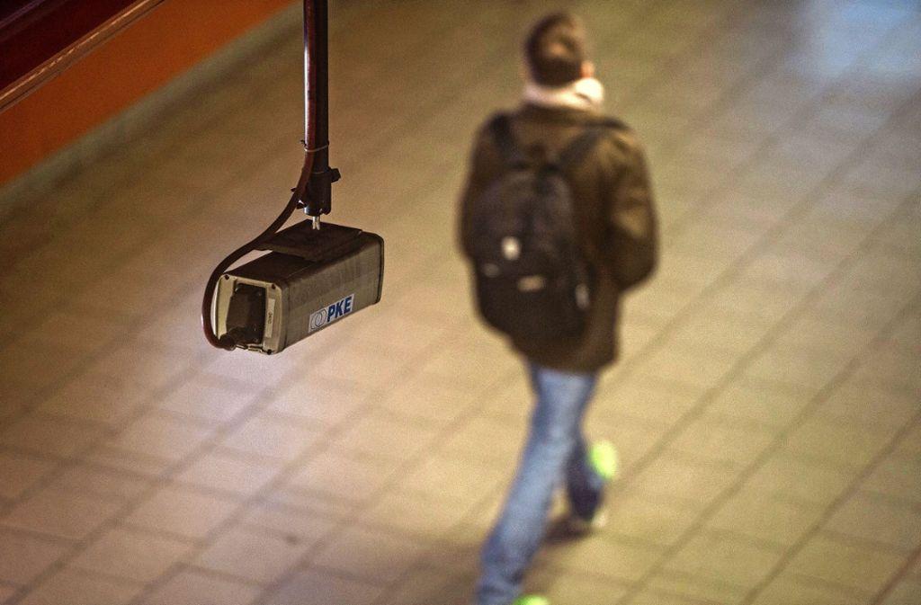 Videokameras für die Sicherheit gibt es bisher nur am Stuttgarter Hauptbahnhof. Foto: dpa